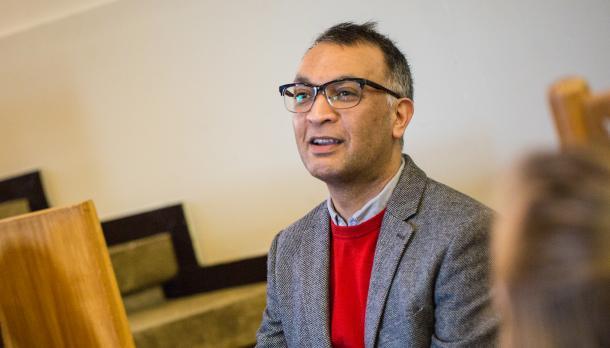 Head and shoulders shot of Professor Momin Rahman