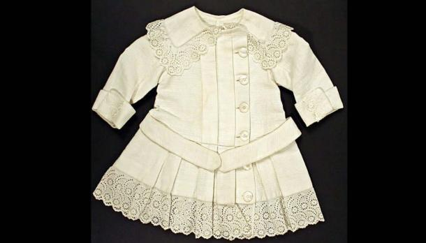 a child's white dress circa early 1900s