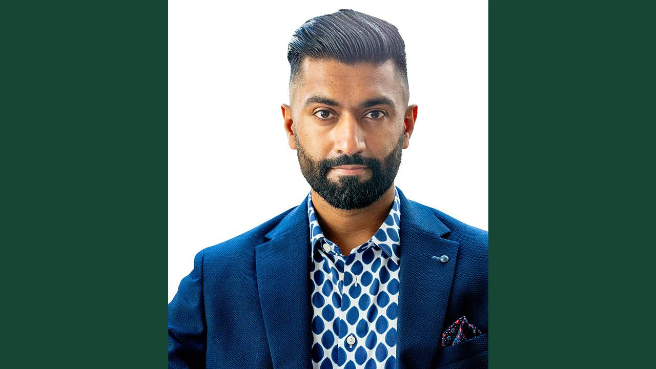 Best-selling author, future of work expert and global keynote speaker, Hamza Khan, has been named the 2021/22 Ashley Fellow at Trent University.