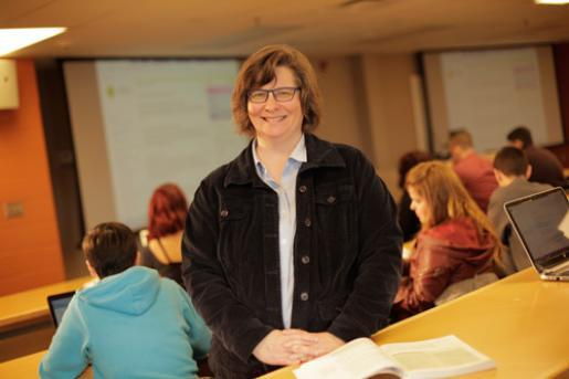 New Bachelor of Social Work Program Taps Into Experiential Learning