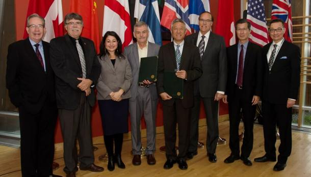 The Honourable Jeff Leal '74, minister of Agriculture, Food and Rural Affairs and MPP of Peterborough; J. Murray Jones, warden of Peterborough County; Maryam Monsef '03, MP elect for Peterborough; Dr. Leo Groarke, president and vice-chancellor of Trent University; Dr. Yi Pan, vice-president of Nanjing University; Daryl Bennett, mayor of Peterborough; the Honourable Michael Chan, minister of Citizenship, Immigration and International Trade for Ontario; Dr. Jaako Puhakka, Academic Rector, University of Eastern Finland.